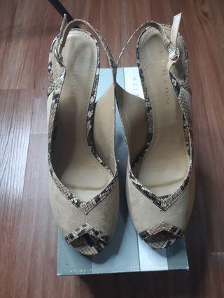 Sepatu hight heels charles & keith
