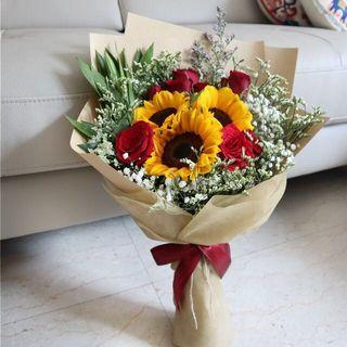 🚚 Bright sunflowers and roses bouquet