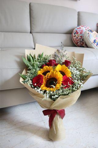 🚚 Fresh Roses sunflowers bouquet