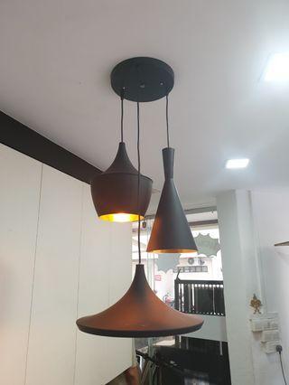 🚚 Hanging Black Pendant Light