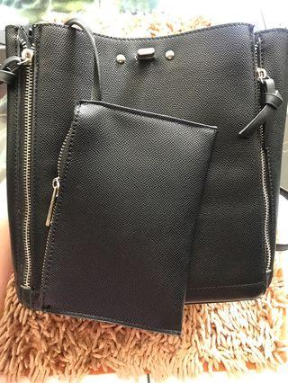 Zara Zipper Bag Warna Hitam Original
