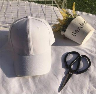 🚚 白色素色棒球帽♡男女皆適合