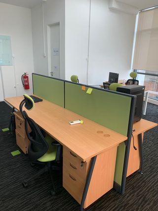 Work station 4 seated full set