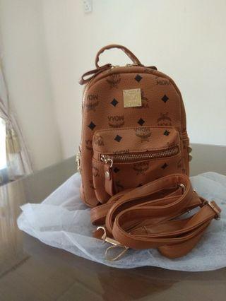 H&H SLING BAG