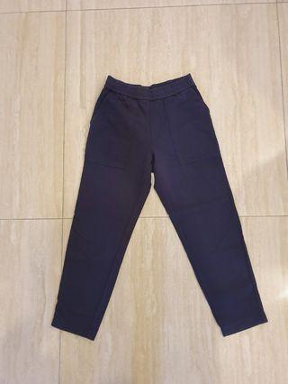 Uniqlo九分褲-海軍藍