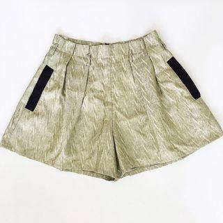 🚚 YOUYOU Pleated Flare Shorts in Gold