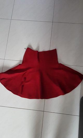 High waisted maroon skirt