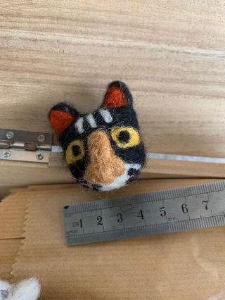 尼泊爾羊毛氈黑白貓扣針pins