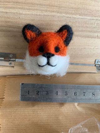 尼泊爾羊毛氈小狐狸扣針pins