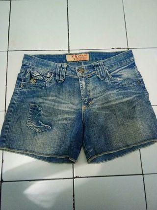 Hotpants / Celana Jeans Pendek
