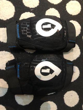 661 knee pads