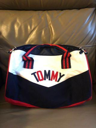 Tommy Hilfiger small duffle bag 袋