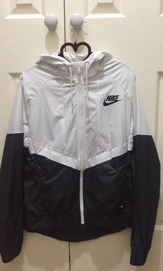 Nike Women's Windrunner Black/White Jacket
