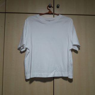 UNIQLO White T-shirt
