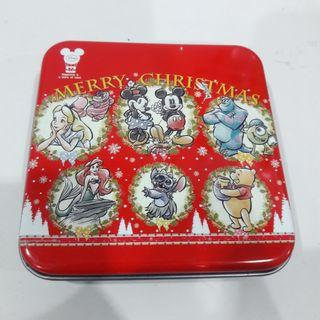 Disney Winnie the Pooh Merry Christmas Collectible Multipurpose Tin Box