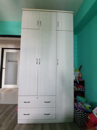 3 Door Wardrobe in Light Grey.