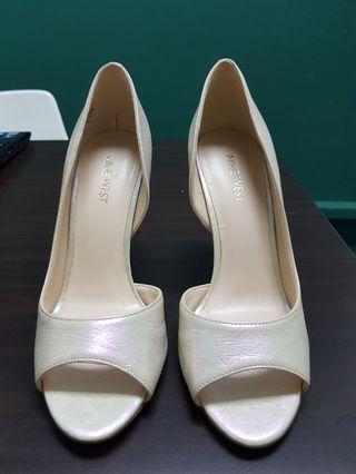 NINE WEST Dorey Gold Heels