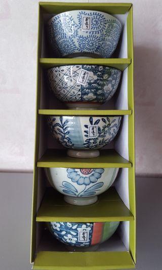 全新日本瓷碗套裝(一套5件) Japanese Bowl Set(5 pieces)