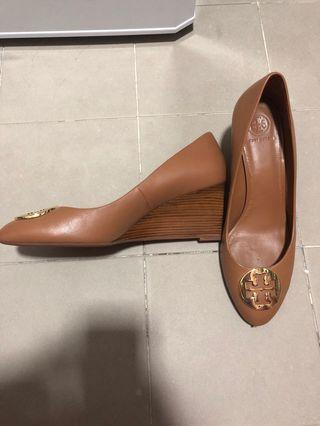 0bd041a23162 Tory Burch brown wedges US10
