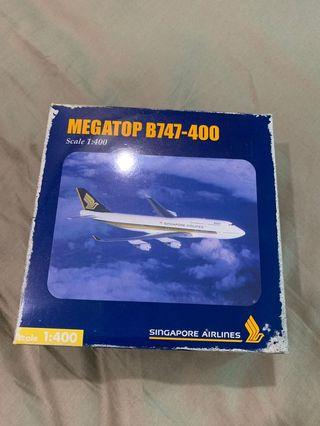 🚚 Herpa Wings 1:400 Singapore Airlines model