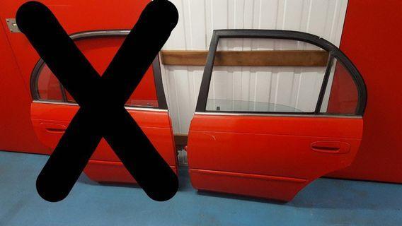 corolla rear door (LEFT)