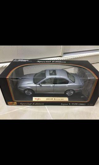 1:18 比例合金車 (Jaguar X-type 2001)
