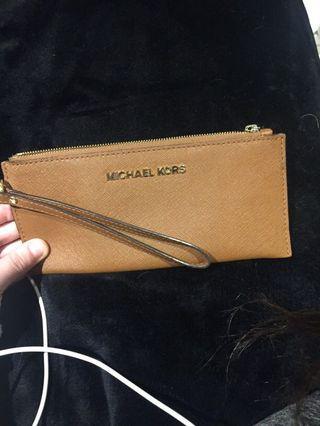 Michael kors brown pouch