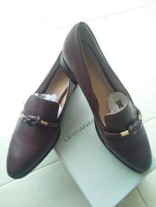 Sepatu Urban & Co