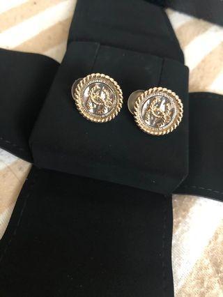 Chanel金logo夾式耳環