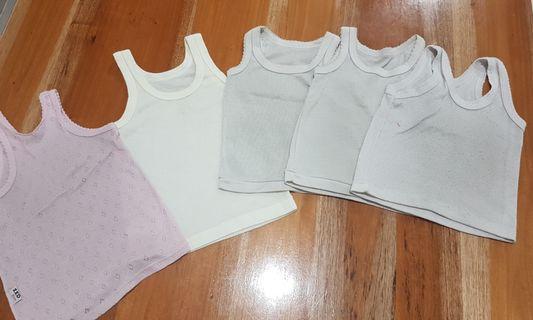 Baju kaos singlet dalaman bayi baby newborn muat s.d 2 tahun anak cewe cowok