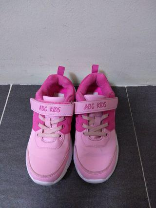 Kids shoes girls size 33 lightly used