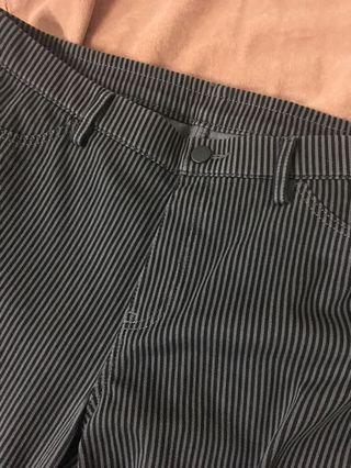 Uniqlo 彈性條紋深灰長褲#半價衣服拍賣會
