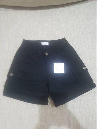 Black Short Pants natsoe ukuran 26-32