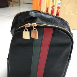 🚚 Black ladies back pack bag