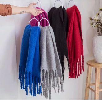 🚚 寶藍圍巾