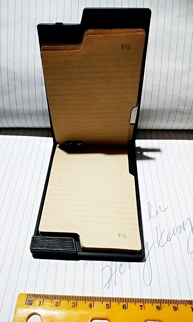 """1979年Made in Hong Kong 香港文具山寨廠出品""""小型塑膠電話簿"""" 塵封38年以上物品,保存至今""""合懷舊收藏迷收藏.1979年製香港製文具小型プラスチック電話帳 """"ほこりは38年以上密閉"""