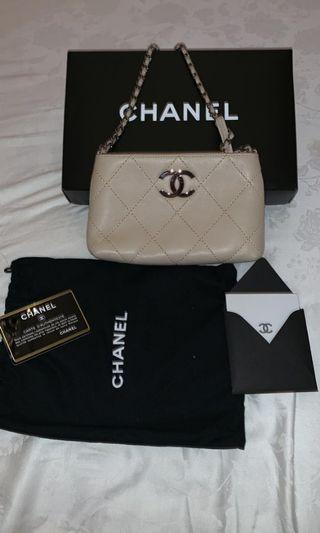 Chanel pouch nude w / short chain shw#9