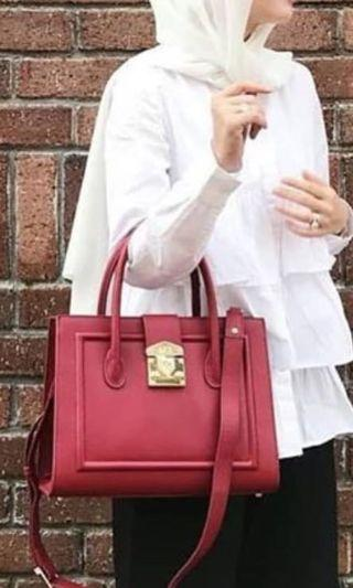 The Carey dUCk bag in Red