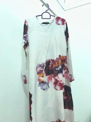 Floral printed jubah