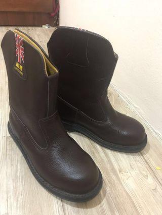 #APR75 AIM Premium Safety Shoe
