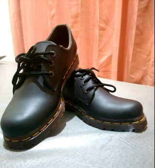 Sepatu Kulit dr. Martens Wanita