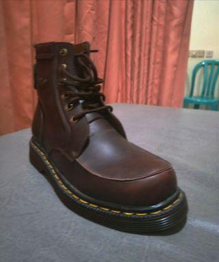 Sepatu Boots dr. Martens Kulit Pria