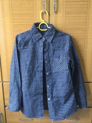 深藍色格紋襯衫