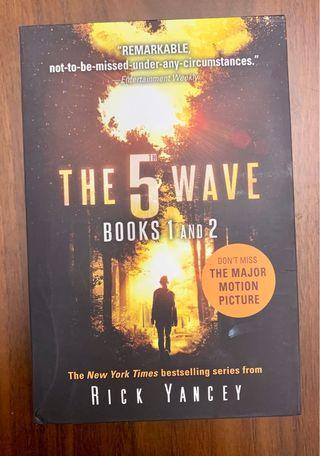 🚚 5th Wave book 1 & 2
