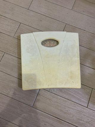 Weighing scale 電子體重秤