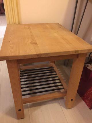 Ikea 小物枱
