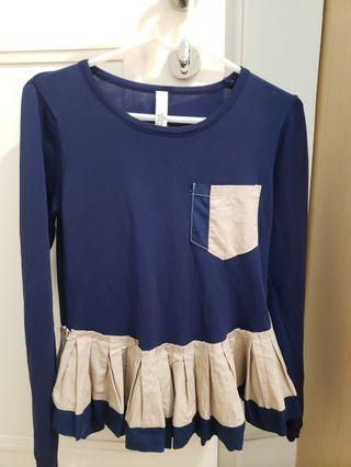 Blue ruffles pleated top