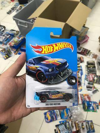 Hot Wheels 2005 Ford Mustang STH