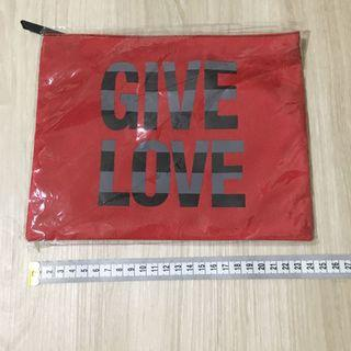 Agnes B. Give Love pouch