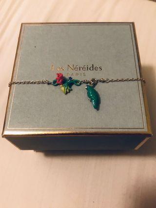 Les Nereides parrot bracelet